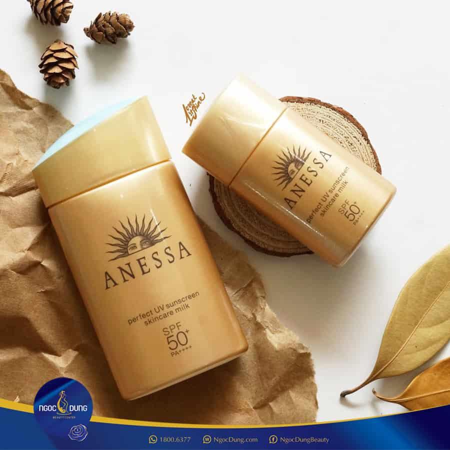 Anessa Perfect UV Sunscreen Skincare Gel SPF50 - Top 35 Loại kem chống nắng tốt nhất 2020