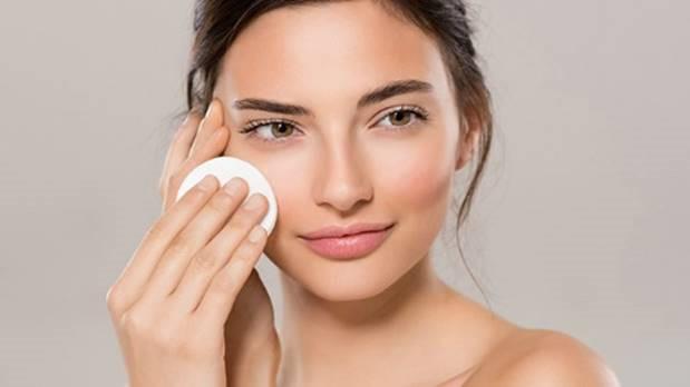 mh kem chong nang2 eeen - Kem chống nắng dưỡng da mặt tốt nhất và cách sử dụng kem chống nắng