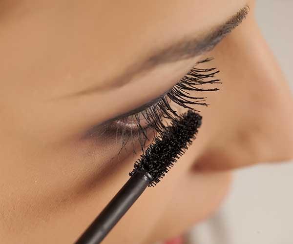 sai lầm khi dùng mascara - Sai lầm khi dùng mascara và những loại mascara đẹp nhất hiện nay