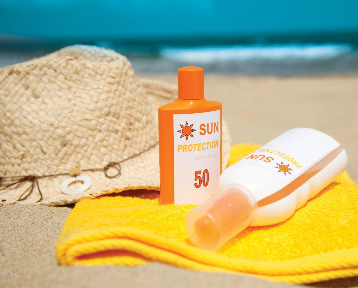 20190612 020948 745372 kem chong nang co c.max 1800x1800 1 - Cách chọn kem chống nắng bảo vệ da khỏi tia UVA và UVB